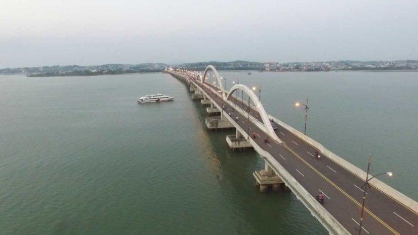 jembatan dompak dipaket wisata bintan